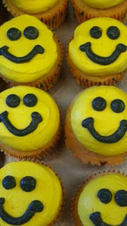 smile cupcakes
